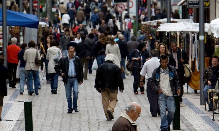 Economia cresce ao ritmo mais rápido em dez anos