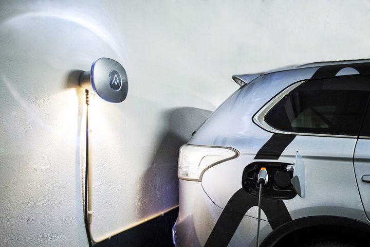 Carregadores de carros elétricos serão obrigatórios nas casas